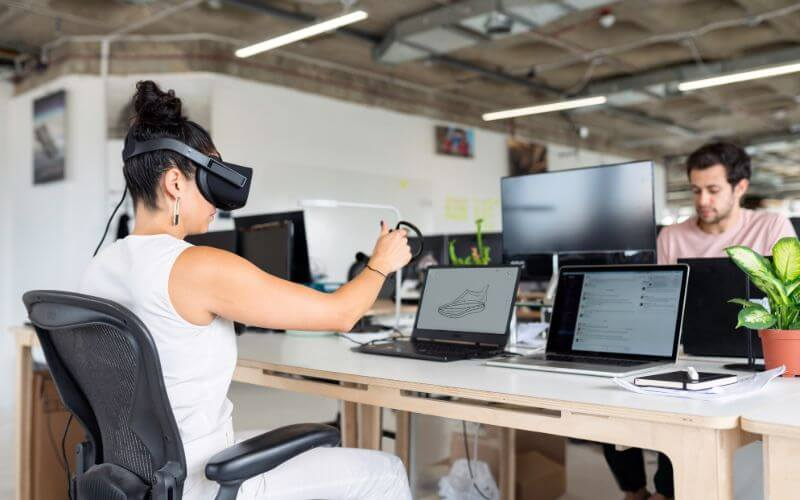 How to do business in a virtual world
